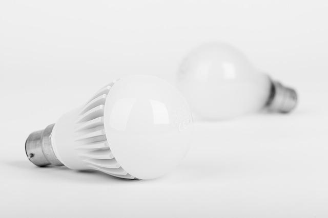 žhavící žárovka