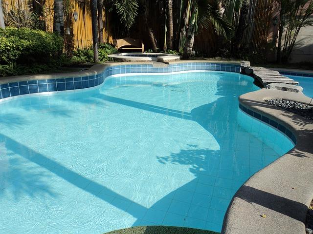 křivka v bazénu