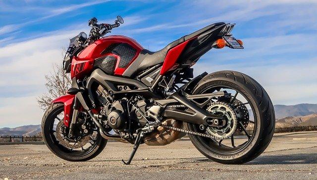 pěkná motorka.jpg